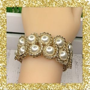Jewelry - Stretchy Faux Pearl and Chain Bracelet